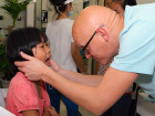 Vrijwilligers van Dental Clinics behandelen KIDS in Ho Chi Minh City